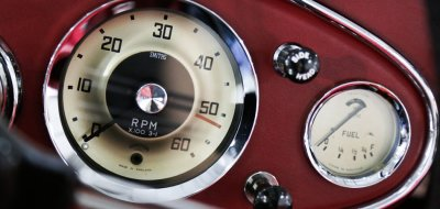Austin-Healey 3000 MK II gauges