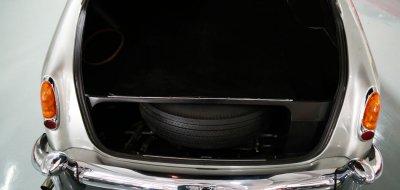 Bentley S1 1959 trunk