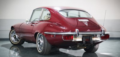 Jaguar E-Type 1972 rear/side view