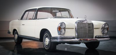 Mercedes Benz 220SE 1961 front right view