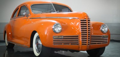 Packard Clipper 1946 front right view