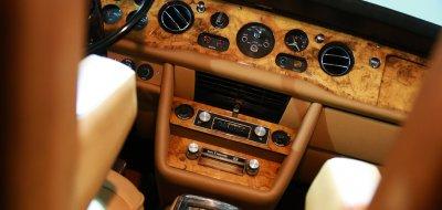 Rolls Royce Corniche 1973 interior closeup