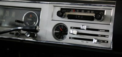 Toyota Corona radio, clock and AC controls