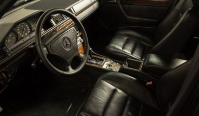 Mercedes Benz E500 1994 interior