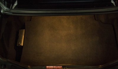 Mercedes Benz E500 1994 trunk