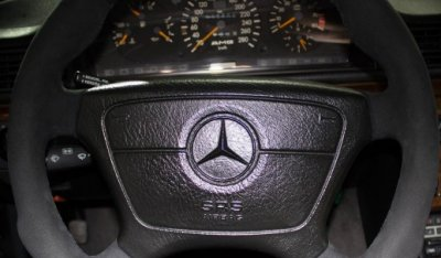 Steering wheel of the Mercedes Benz 3,4 AMG CE300 1991